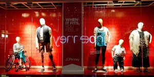 JCPenney-Displays-Real-Size-Mannequins-595x300