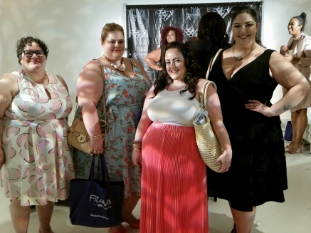 With Lisa, blogger at MustangSallyTwo and models Jenna Lee and Faith Costa